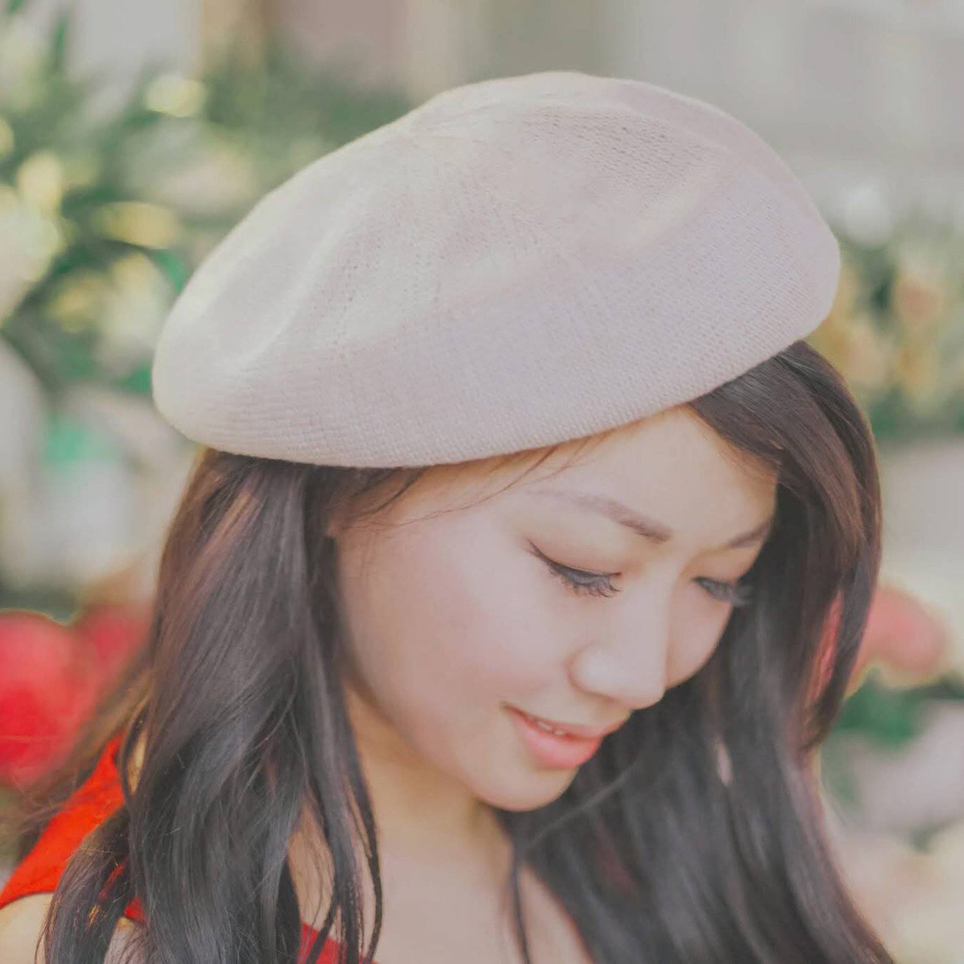 Les Lunes     •     Beret     Cost:  $48 (gifted)  Times Worn as of 3/2019:  2  Cost/Times Worn:  $24  Cost/30 Wears:  $1.60
