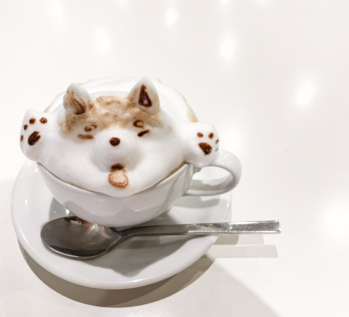 Reissue Cafe (リシュー): 3D latte art