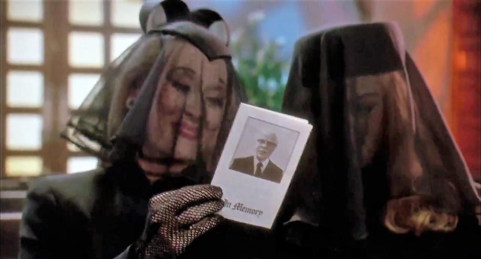 Meryl-Streep-Goldie-Hawn-Death-Becomes-Her-1992 (3).jpg
