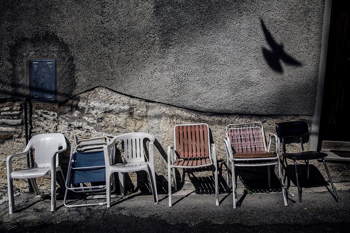 bird w chairs bld col.jpg