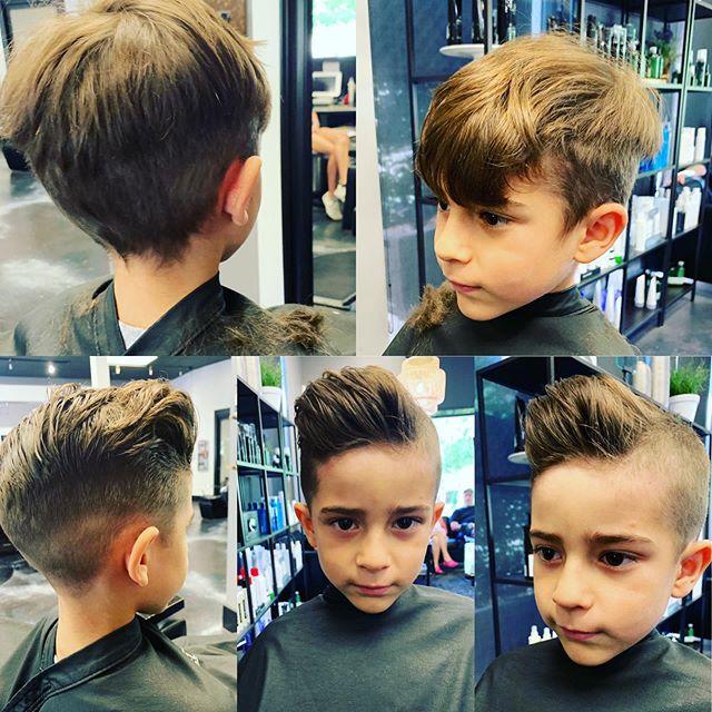 💙 #hair #916 #rosevillesalon #abeillesalonroseville #rosevilleca #Abeillesalon #abeille #salon #cutscolors #hair_squad #paulmitchell #IHeartPM #MITCHTheMan #PMTingle #Awapuhi  #daymaker #inspire #love_mvmt #neonhair #RareMarula #standoutstyle #NEUROLIQUID  #MVRCK #invisiblewear