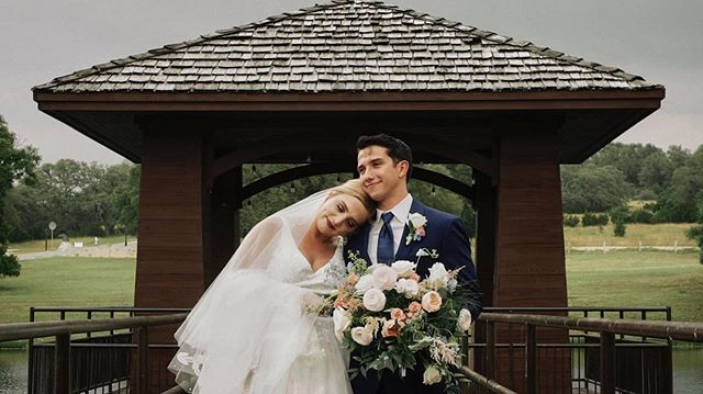 The crazy Texas rain couldn't even keep Natalie + Jake's love from shining bright on their wedding day! More to come... • • • @gareyhousegtx  @simplysweetwed  @lustrebella  @april_mae_creative