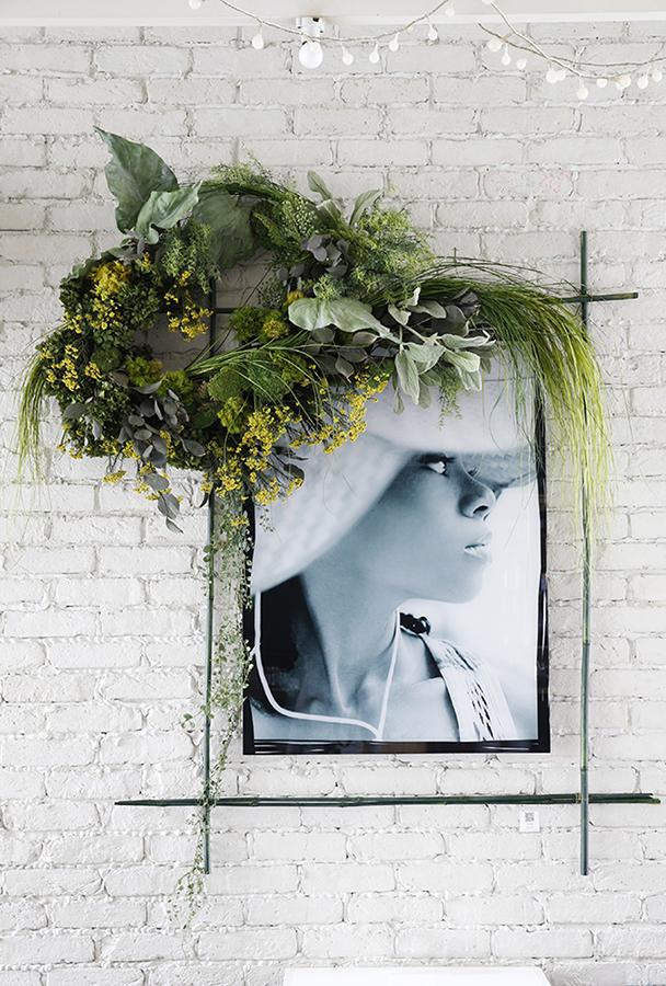 New York Before Zeros vol.1  Photo Exhibition @ Suzu Cafe 9/26-10/24/2014  Left Eye Photo w /Mami Yamamoto Flower decoration