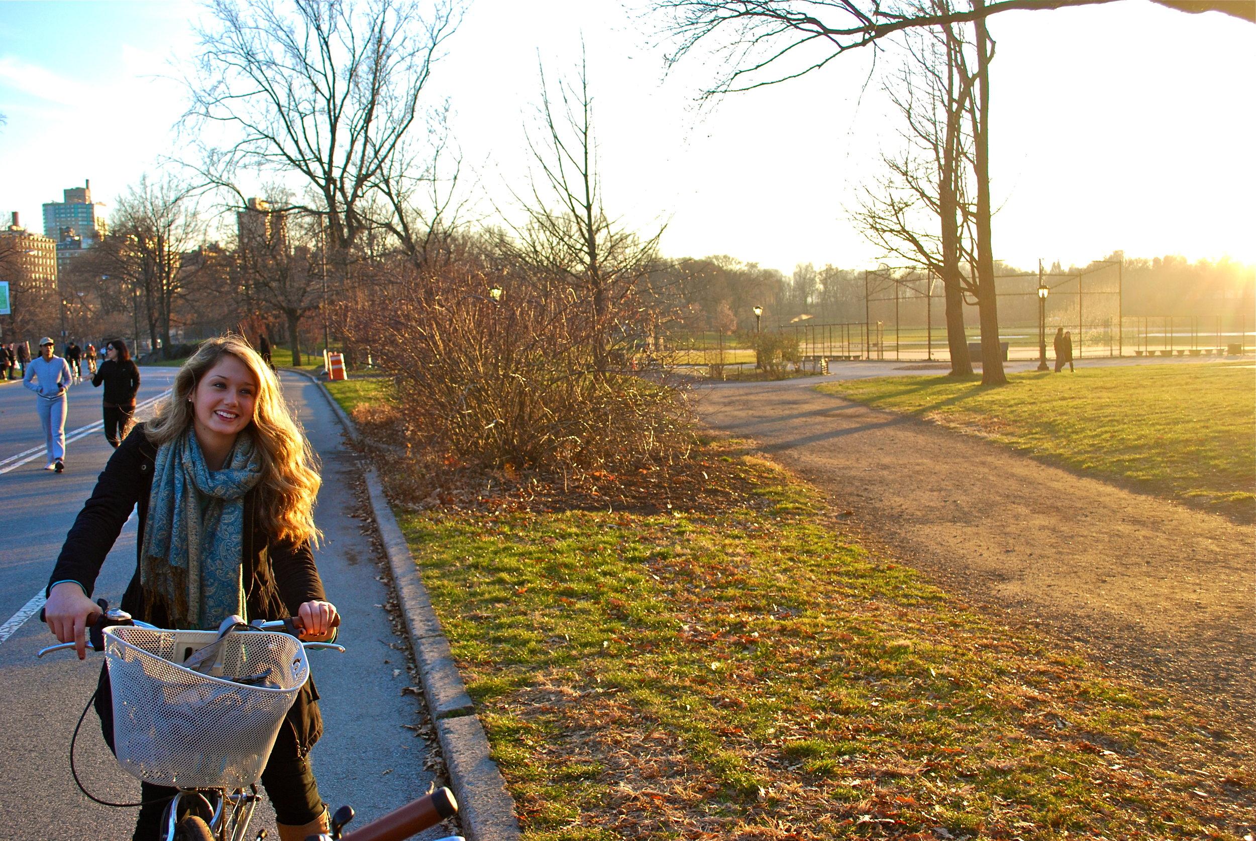 Kaci Nicole - NYE in NYC - Bike Ride in Central Park