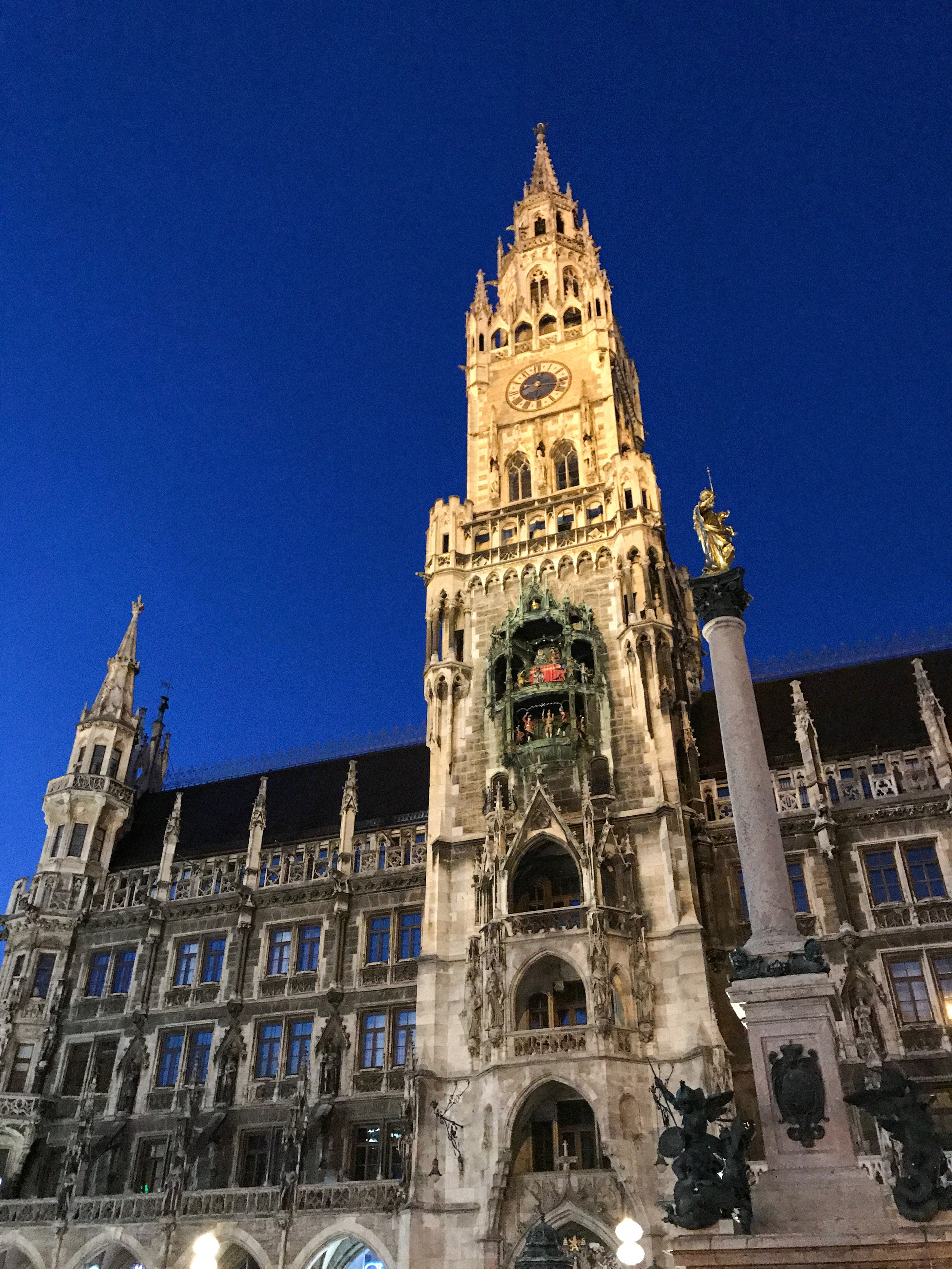 Marienplatz Munich | Kaci Nicole.jpg