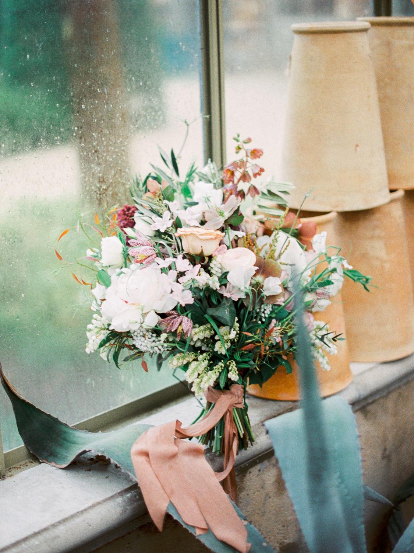 christinadavisphotography+romantic+greenhouse+jardindebuis+styledshoot06.jpg