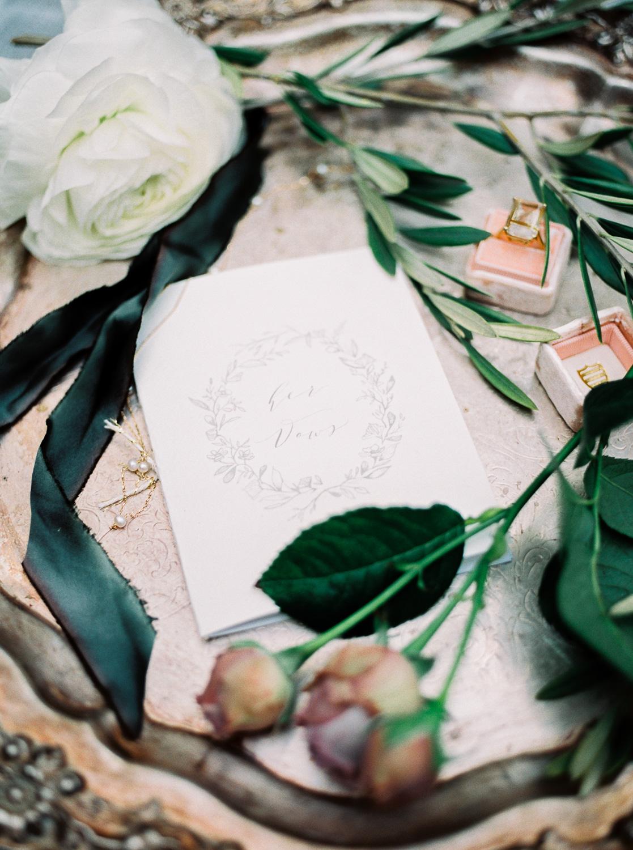 christinadavisphotography+romantic+greenhouse+jardindebuis+styledshoot19.jpg