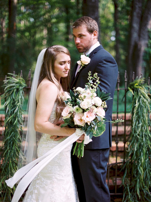 christinadavisphotography-romanticwedding-gardenweddinginspiration37.jpg