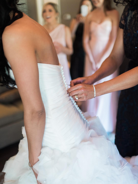 alexgreg-wedding-brideprep-christinadavisphoto61.jpg