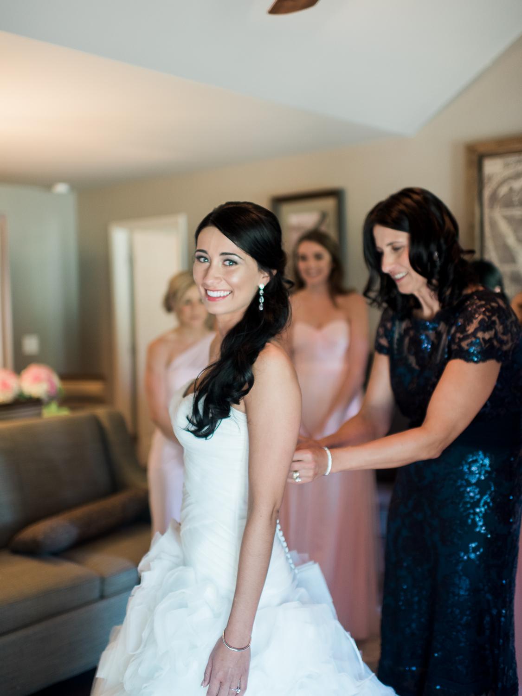 alexgreg-wedding-brideprep-christinadavisphoto63.jpg