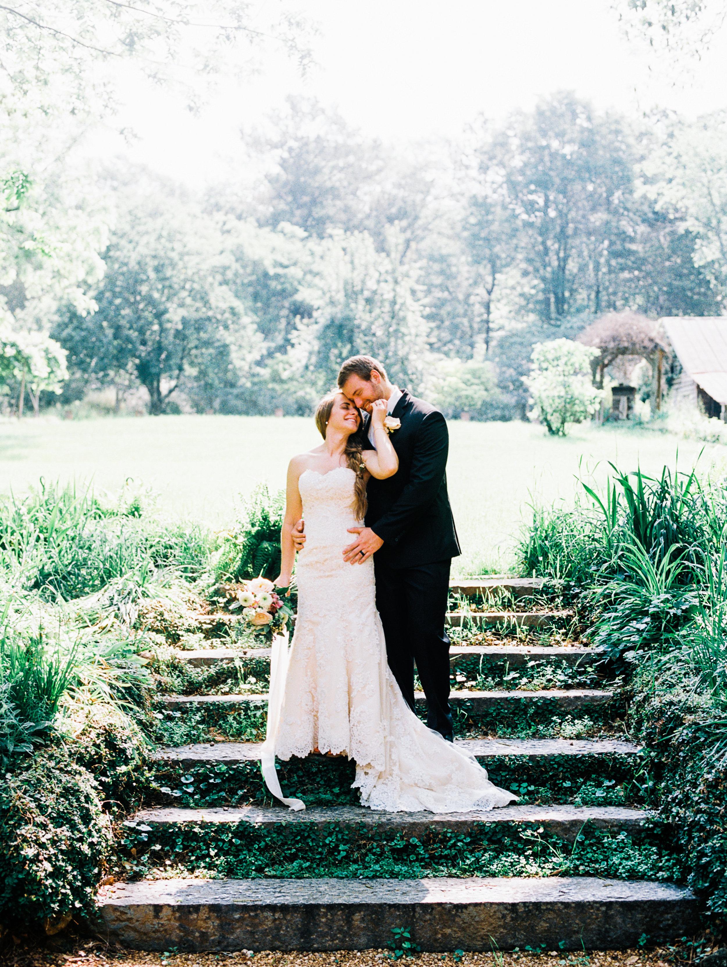 christinadavisphotography-gardenweddinginspiration_romanticwedding11.jpg