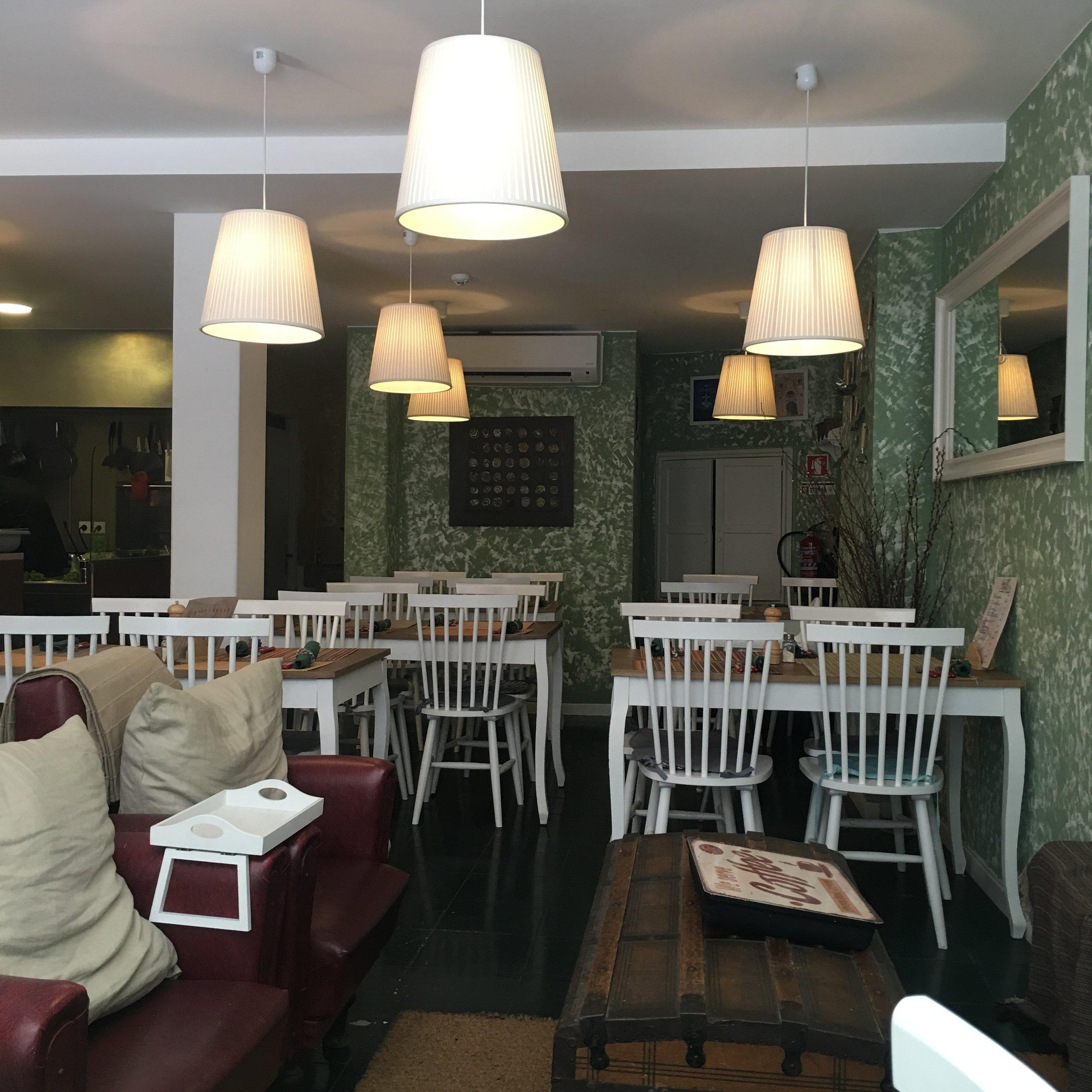 Casa Do mercado - organic restaurant - eco travel - florum fashion magazine - noelle lynne