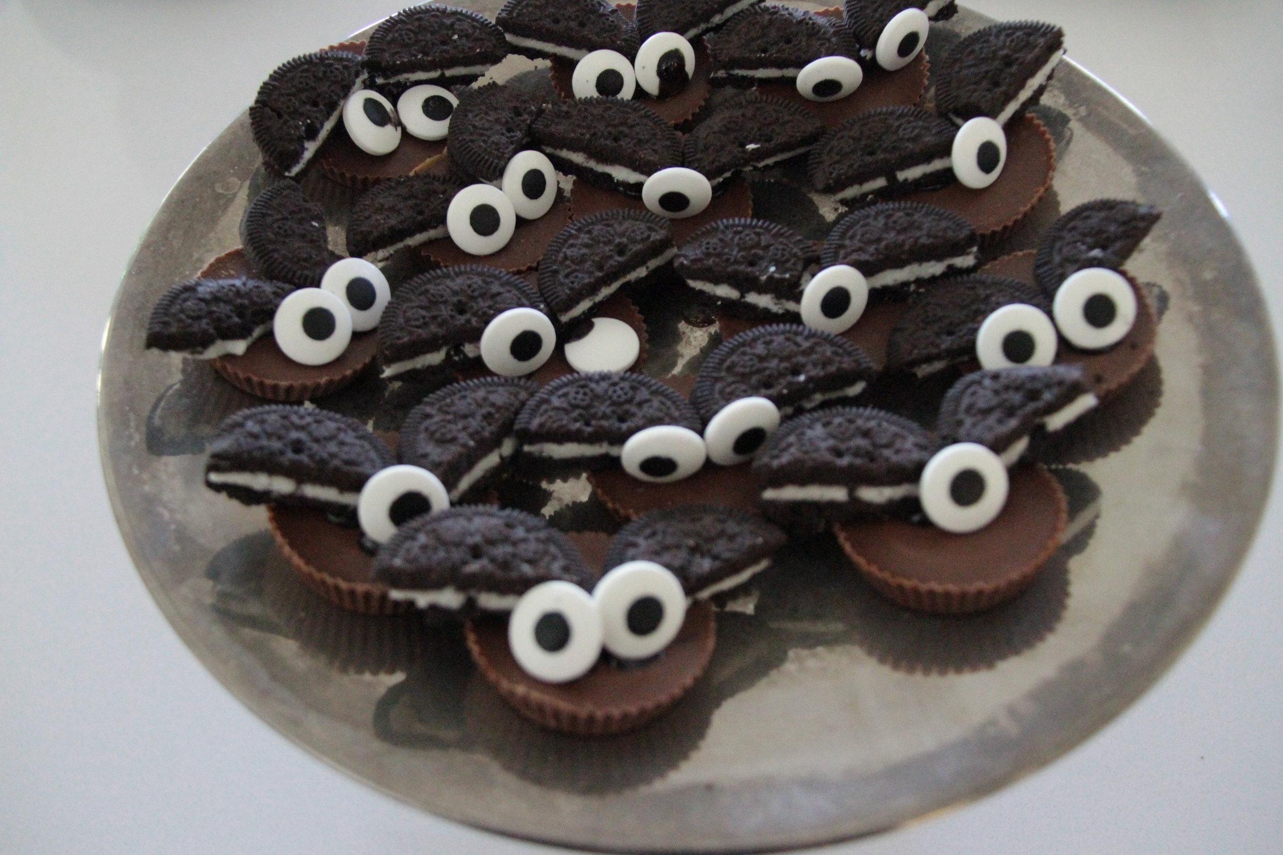 Halloween Party Ideas Bat oreo cookies - gluten free vegan chocolate Noelle Lynne Florum Fashion Magazine