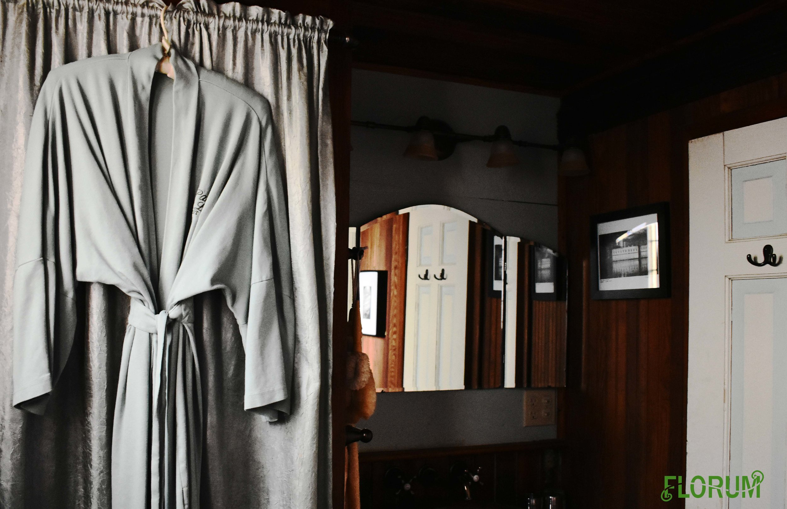 I absolutely loved the bathroom, while it was not the largest that I have found in a Bed and Breakfast, it included everything from a antique pedestal tub & shower to organic cotton robes.