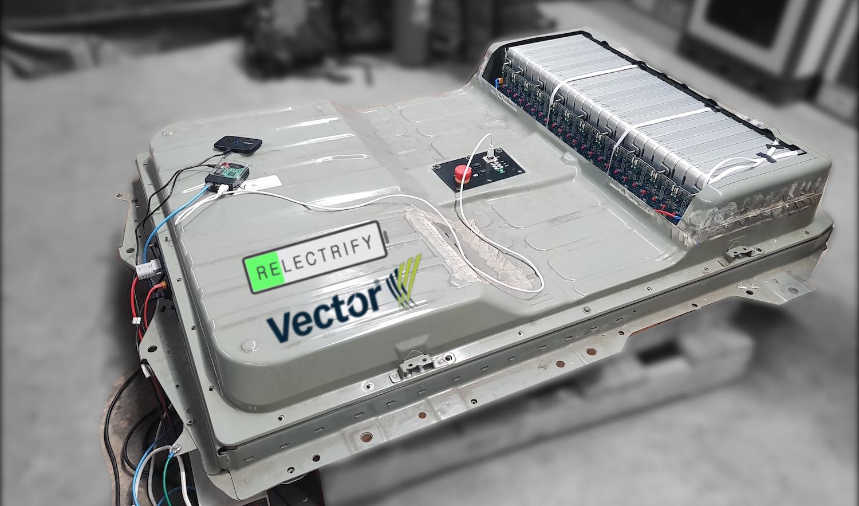Vector_Relectrify_Battery_ExtUse.jpg