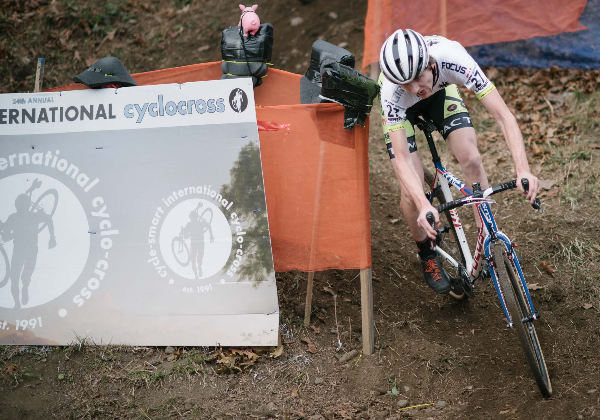 Jack Kisseberth clears the technical descent, riding to a strong 10th place on Saturday and Sunday in the pro 1/2.