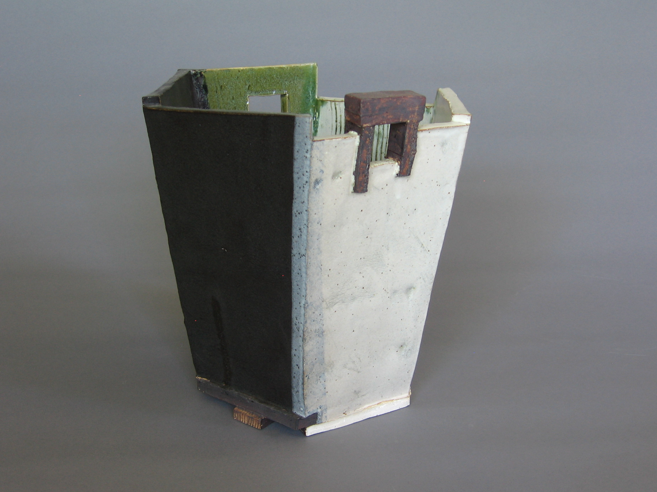"Kübel 4 , 9.5"" x 9.5"" x 10"", Ceramic"
