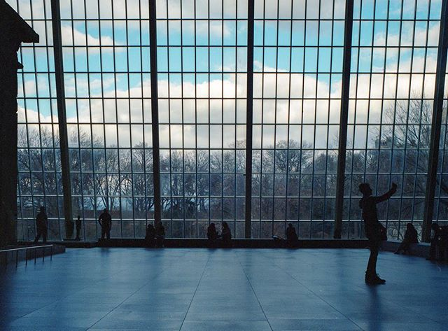 Portra400 . . . . . #nyc #met  #film #120 #mediumformat #philadelphia #philly #mamiya #mamiya645  #kodak #portra400 #artofvisuals #sharefilm #shootfilm #ishootfilm #filmfeed #buyfilmnotpixels #analog #filmisnotdead #museum #keepfilmalive #shootfilmstaybroke #filmphotography #streetphotography