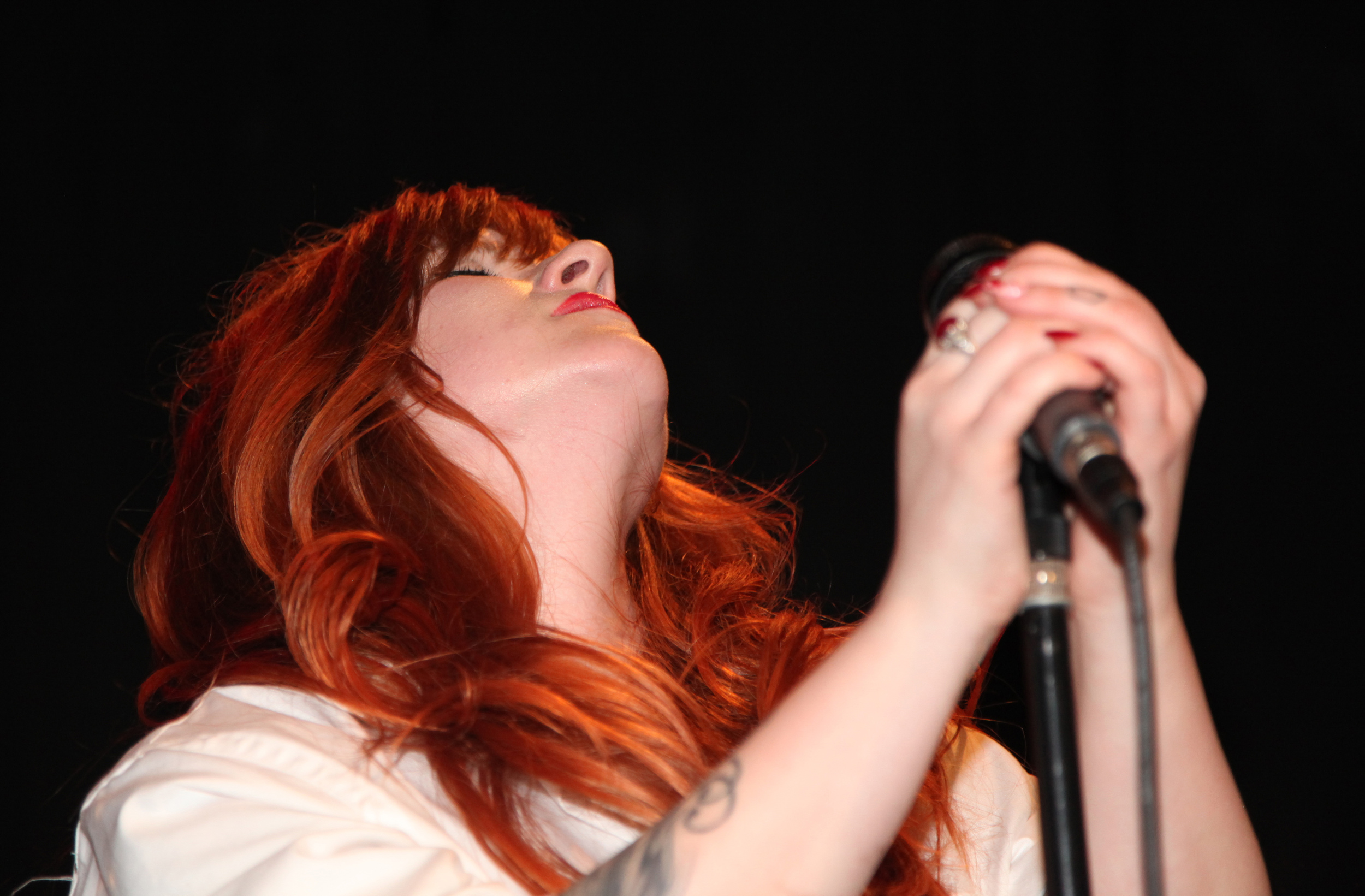 Des Singing.jpg
