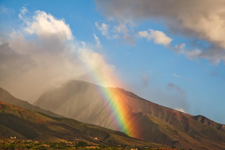 rainbow-in-valley-travel-photographer.jpg