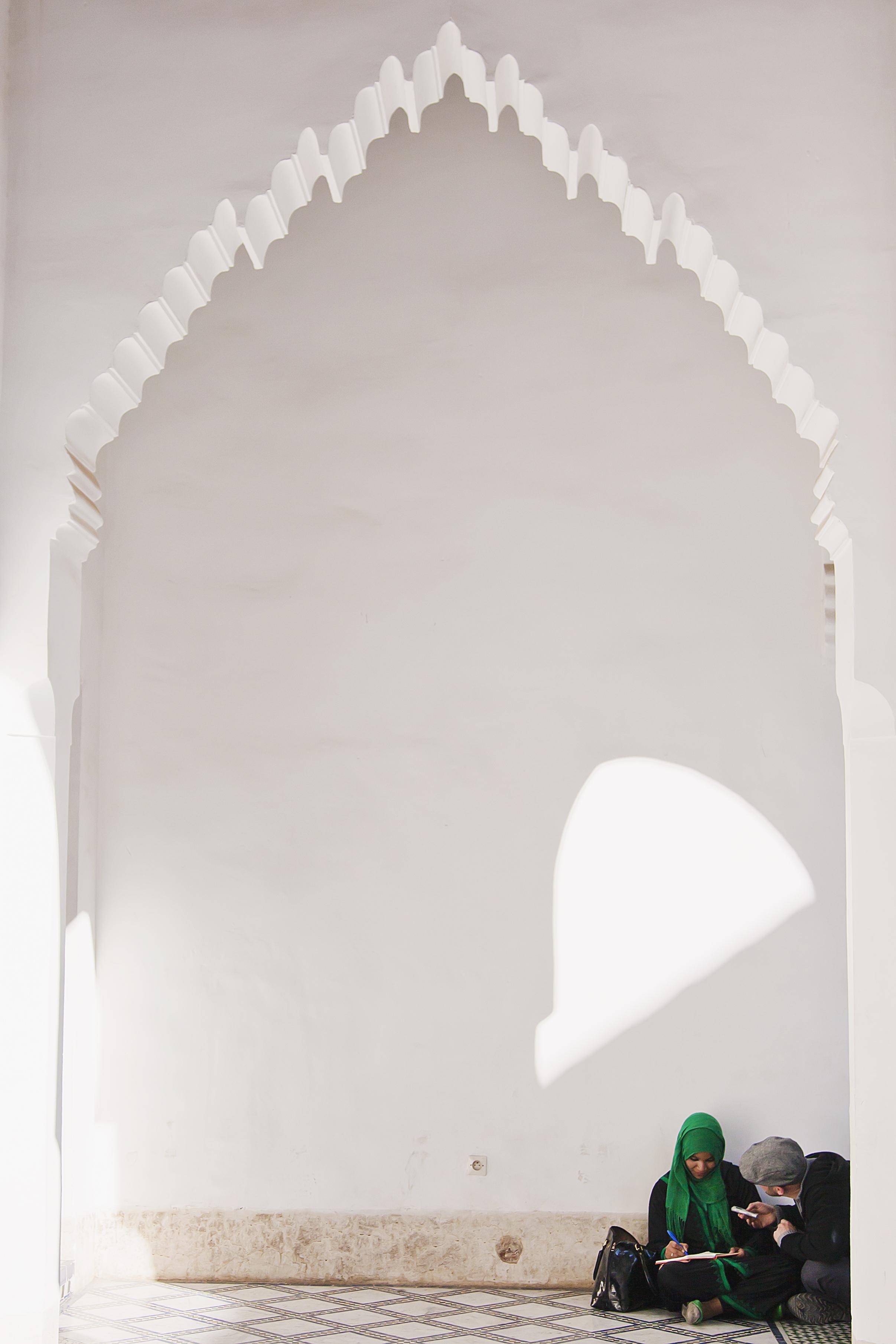 studying-arabic-at-the-bahia-palace-travel-photographer.jpg