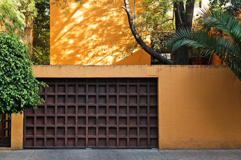 MEXICO CITY GARAGE DOOR TRAVEL PHOTOGRAPHY DF.jpg