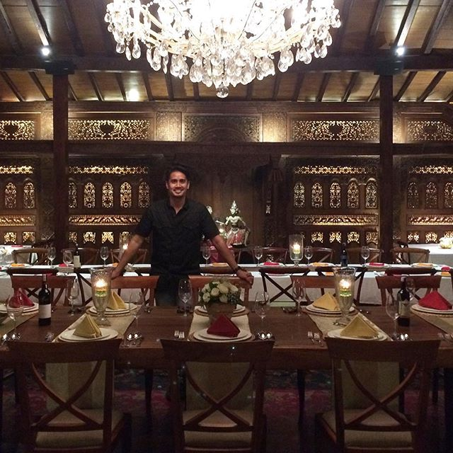 Had dinner at this stunning restaurant last night. Thanks for the good times guys! 🙌🏼🙇🏻 #platarandharmawangsa #jakarta #indonesia #indonesianfood #restaurantdesign #wanderlusting #instatravel #instatraveling #plataran #interiordesign #indodesign #indotravellers #wanderlust #dharmawangsa #picoftheday