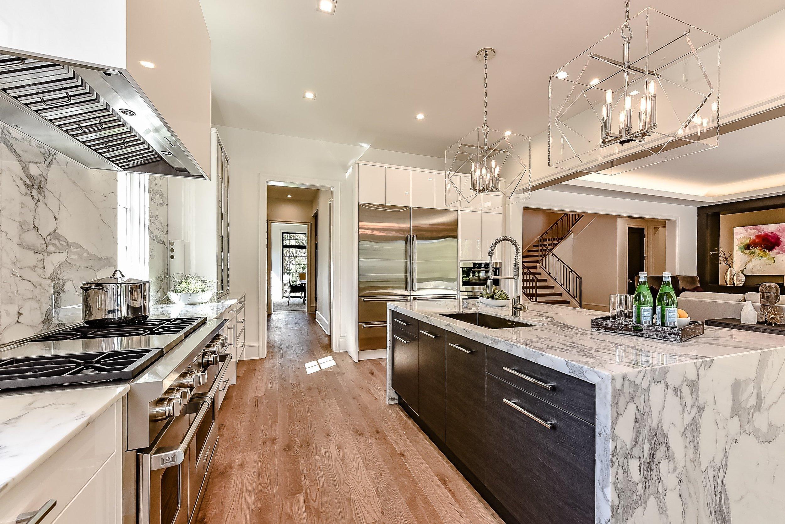 16 Kitchen_Erskine_Pelham.jpg