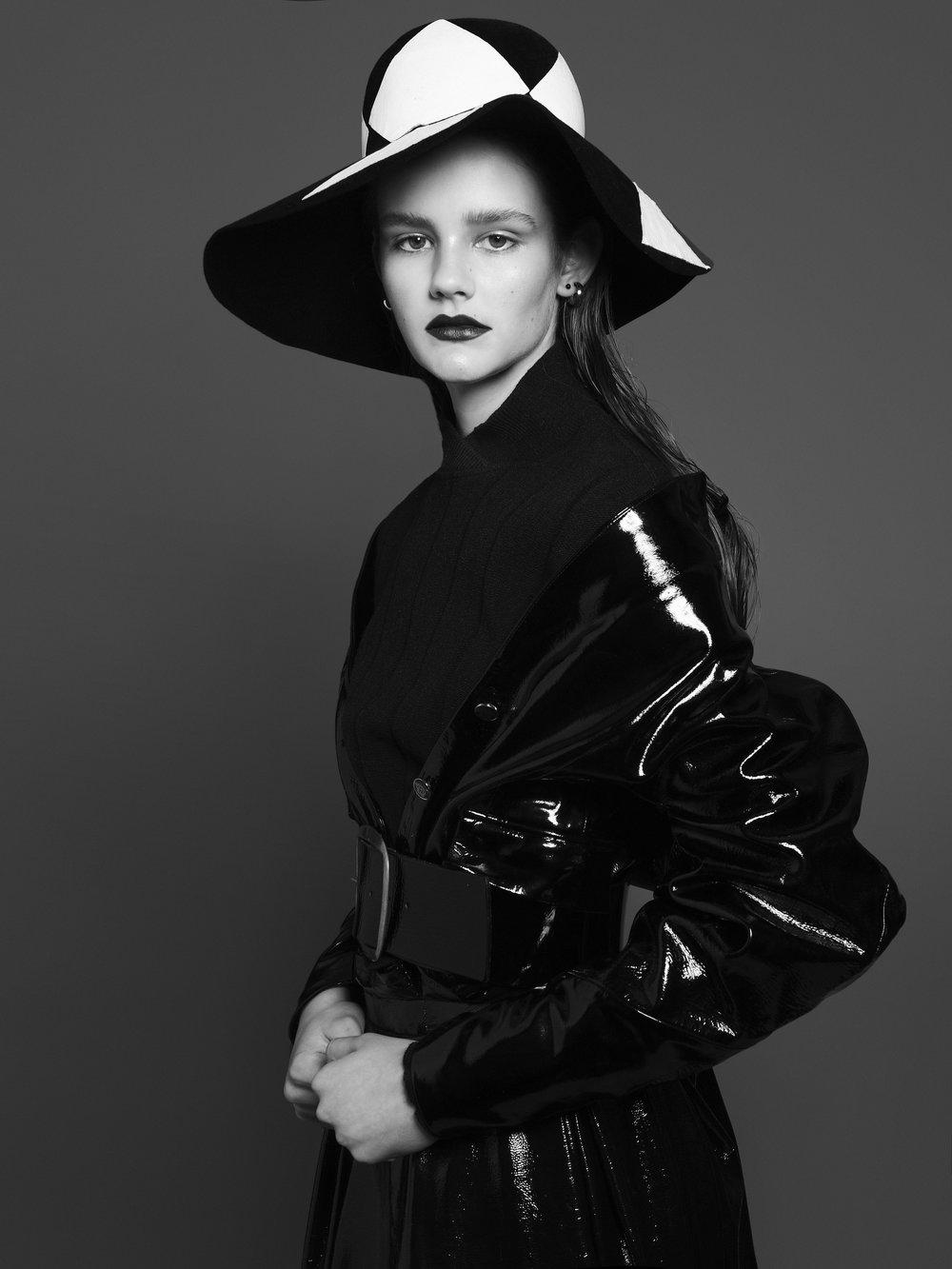 Black & White Liz 3.jpg