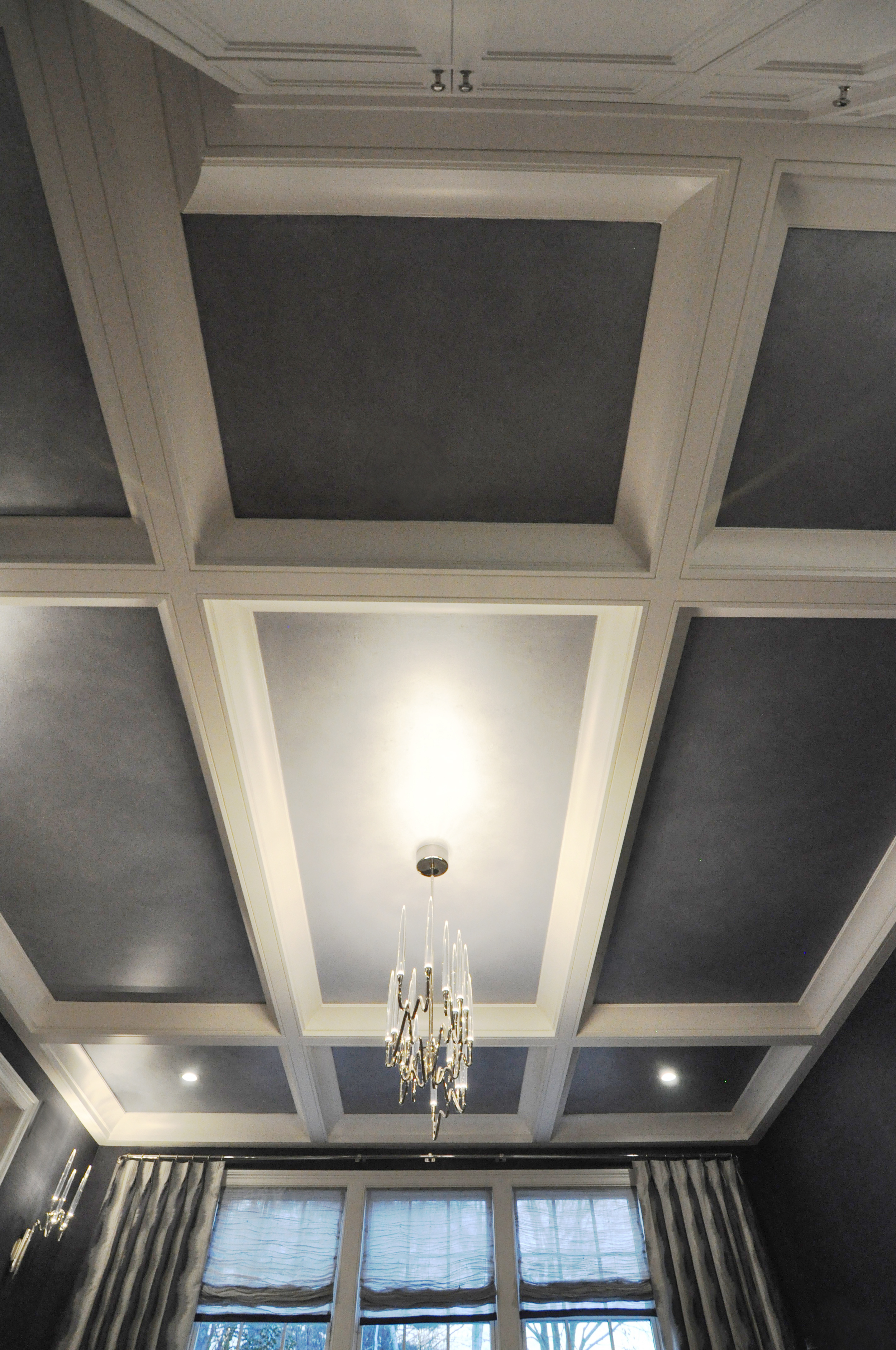 KAM DESIGN_Dining Room Coffered Ceiling_Ombre Faux Finish Paint Treatment on Grounds_web.jpg