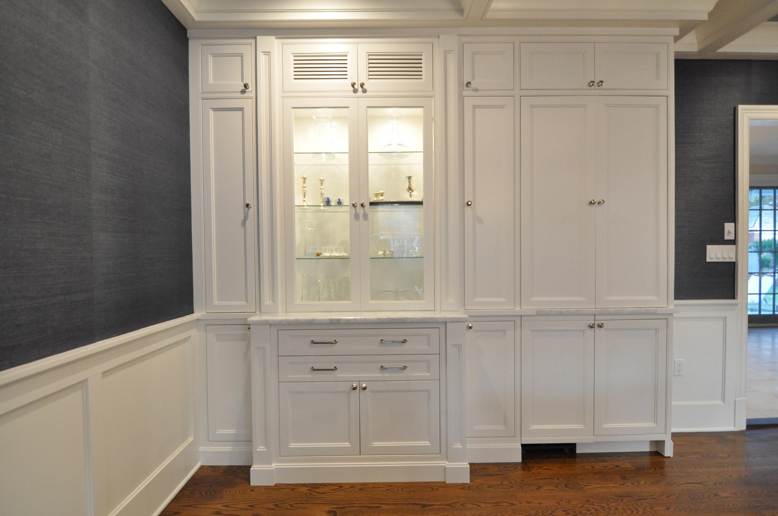 Dining KAM DESIGN_Dining Room Millwork_White Custom Cabinet_Wet Bar Closed_Wainscot - 1.jpg