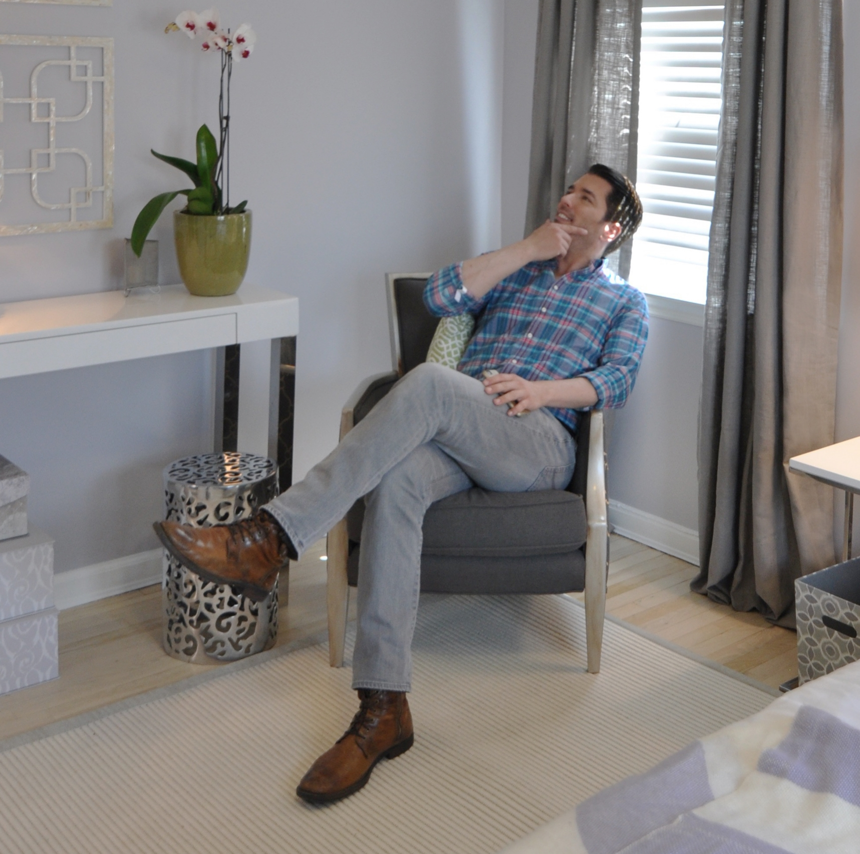 HGTV Buying and Selling with The Property Brothers_Season 3_Episode 316_Behind the Scenes_Jonathan Scott.jpg