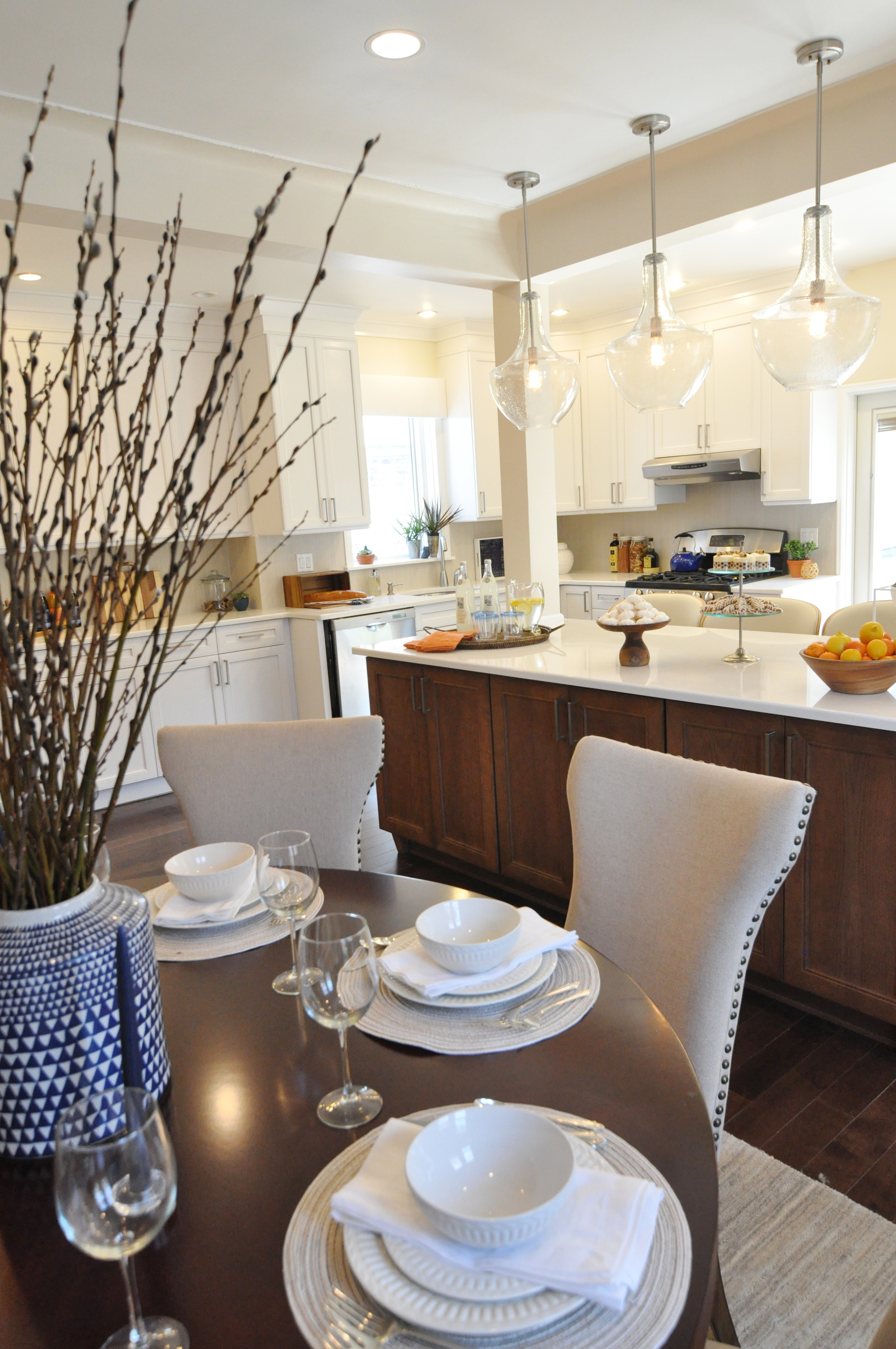 Kim Mitchell Production Designer_HGTV_Buying and Selling with The Property Brothers_Season 3_Episode 315_Dining Room_Kitchen Remodel.jpg