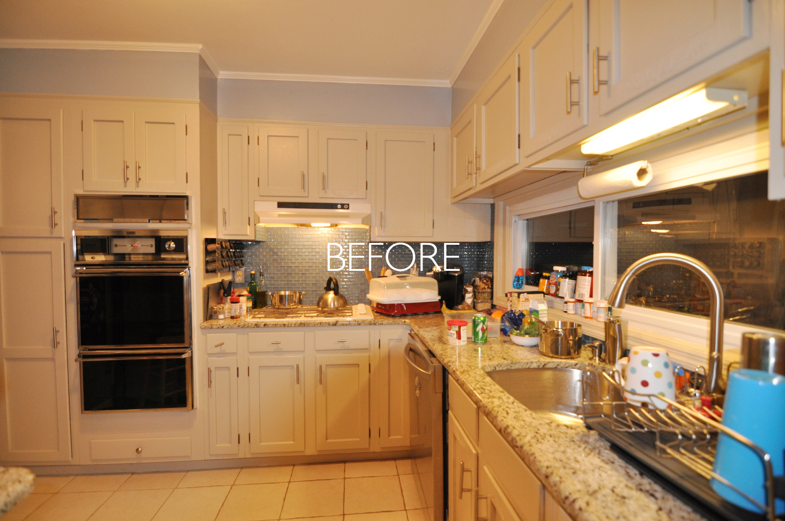 BEFORE Kitchen_HGTV_Buying and Selling with The Property Brothers_Season 5_Episode 3.jpg