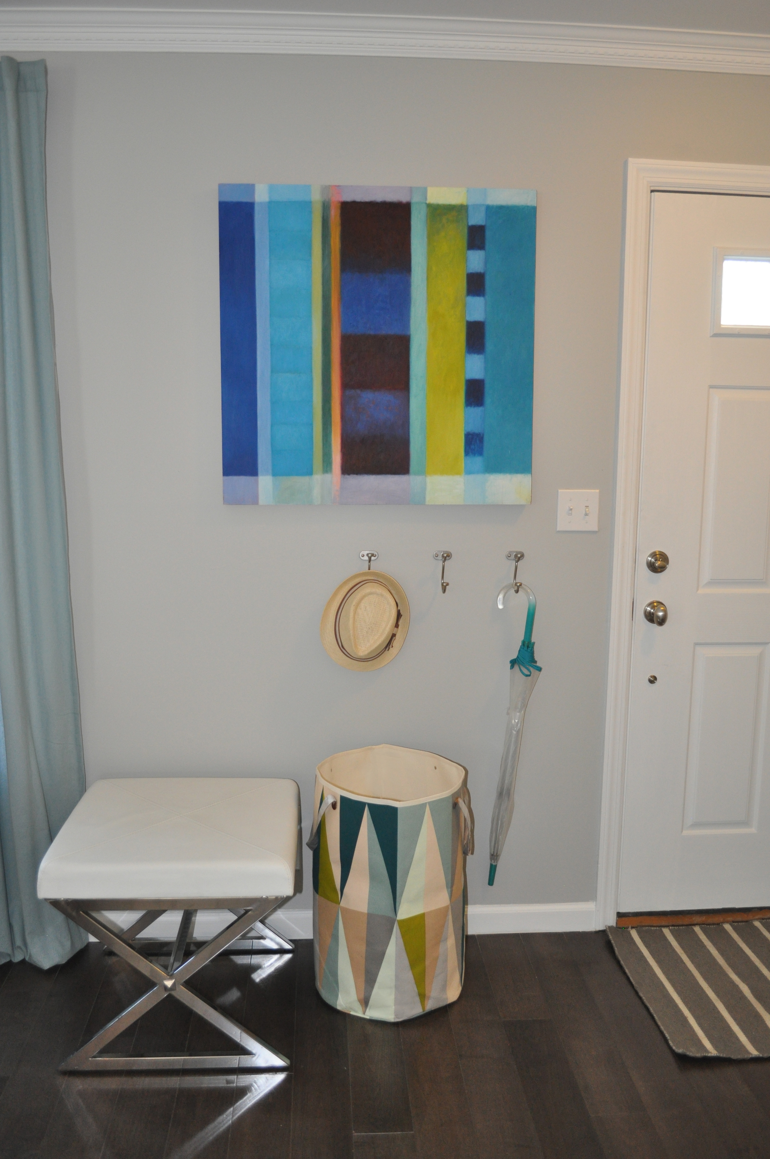 Kim MItchell Production Designer_HGTV_Buying and Selling with The Property Brothers_Season 3_Episode 316_Entry_Kenise Barnes Gallery Art_Kontrast Accessories.jpg