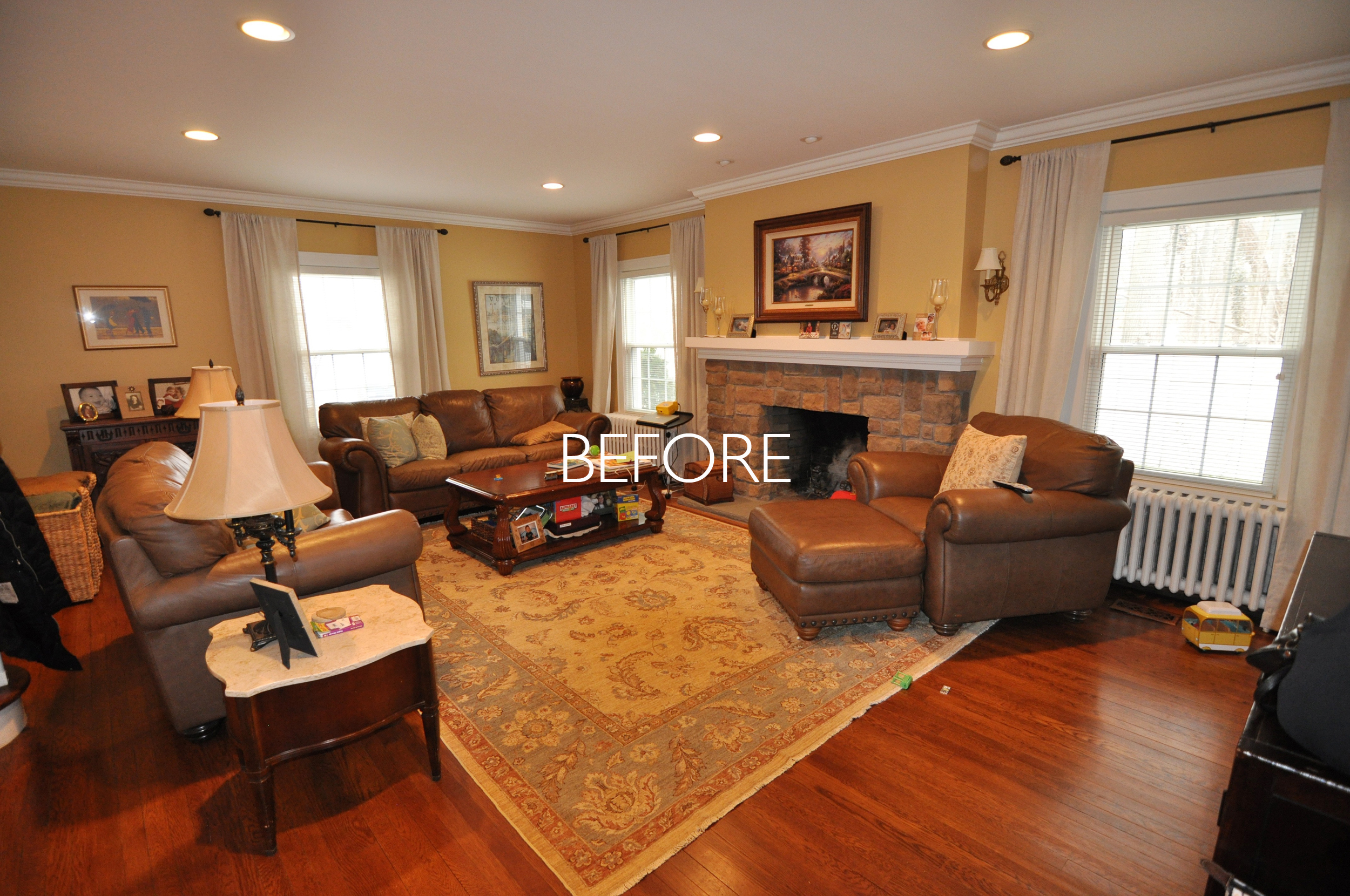 BEFORE Living Room from Entry_HGTV_Buying and Selling with The Property Brothers_Season 5_Episode 8.jpg