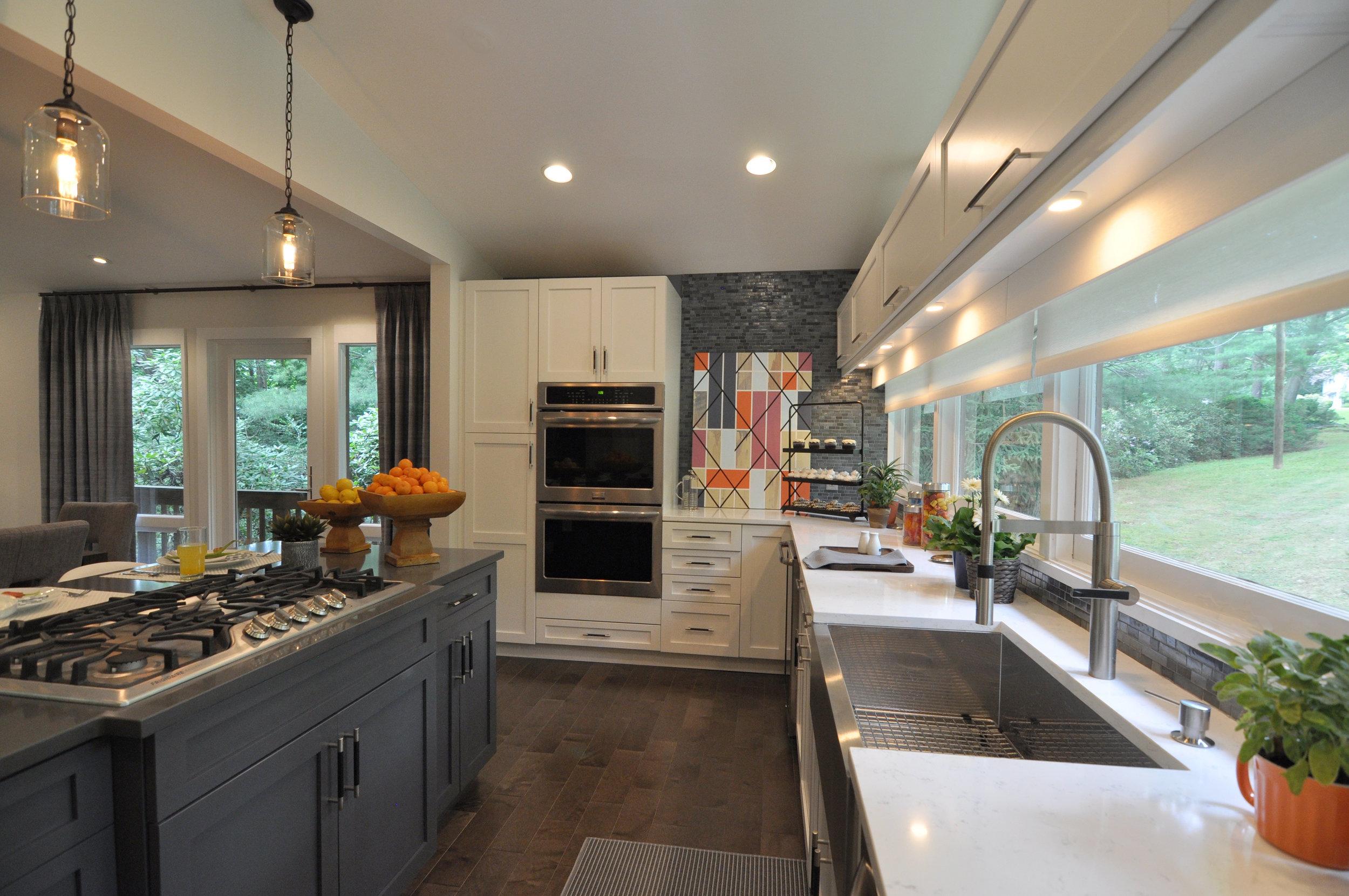 Kim A Mitchell_Design Lead_HGTV_The Property Brothers_Season 6_Episode 9_Modern Kitchen_Blue Glass Backsplash_Dining Room Design_2017.jpg