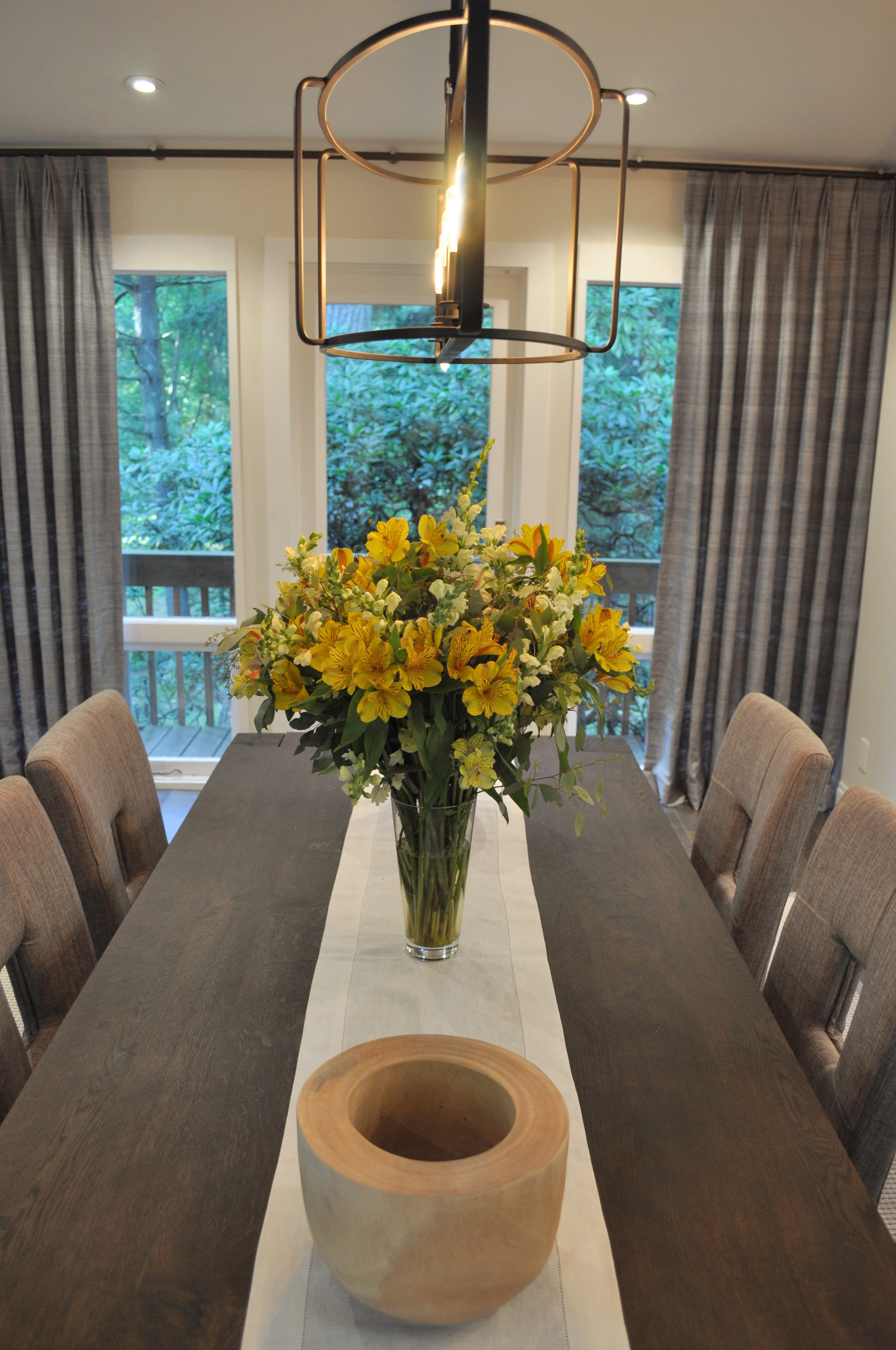 Kim A Mitchell_Design Lead_The Property Brothers_Season 6_Episode 9_Modern Dining Room_Close-up Dining Table_Iron Pendant Light_2017.jpg