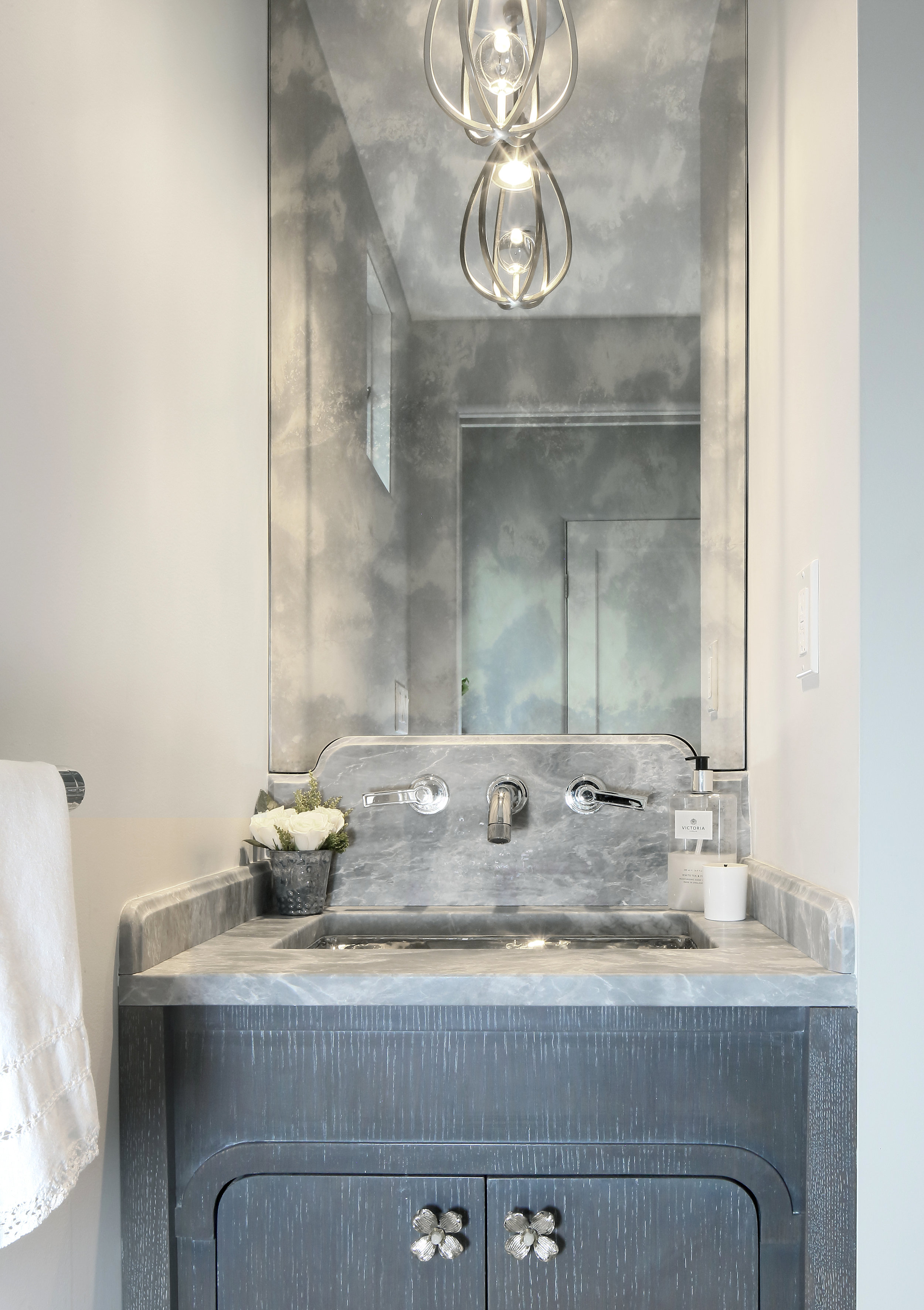 KAM DESIGN_Powder Room_Larchmont_2018_573a.jpg