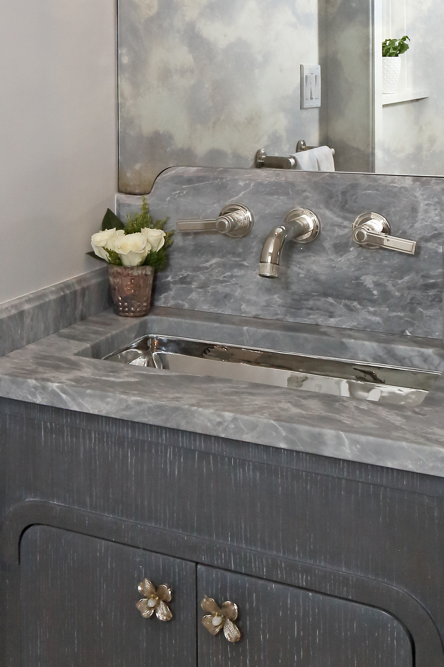 KAM DESIGN_Powder Room_Larchmont_2018_557a.jpg