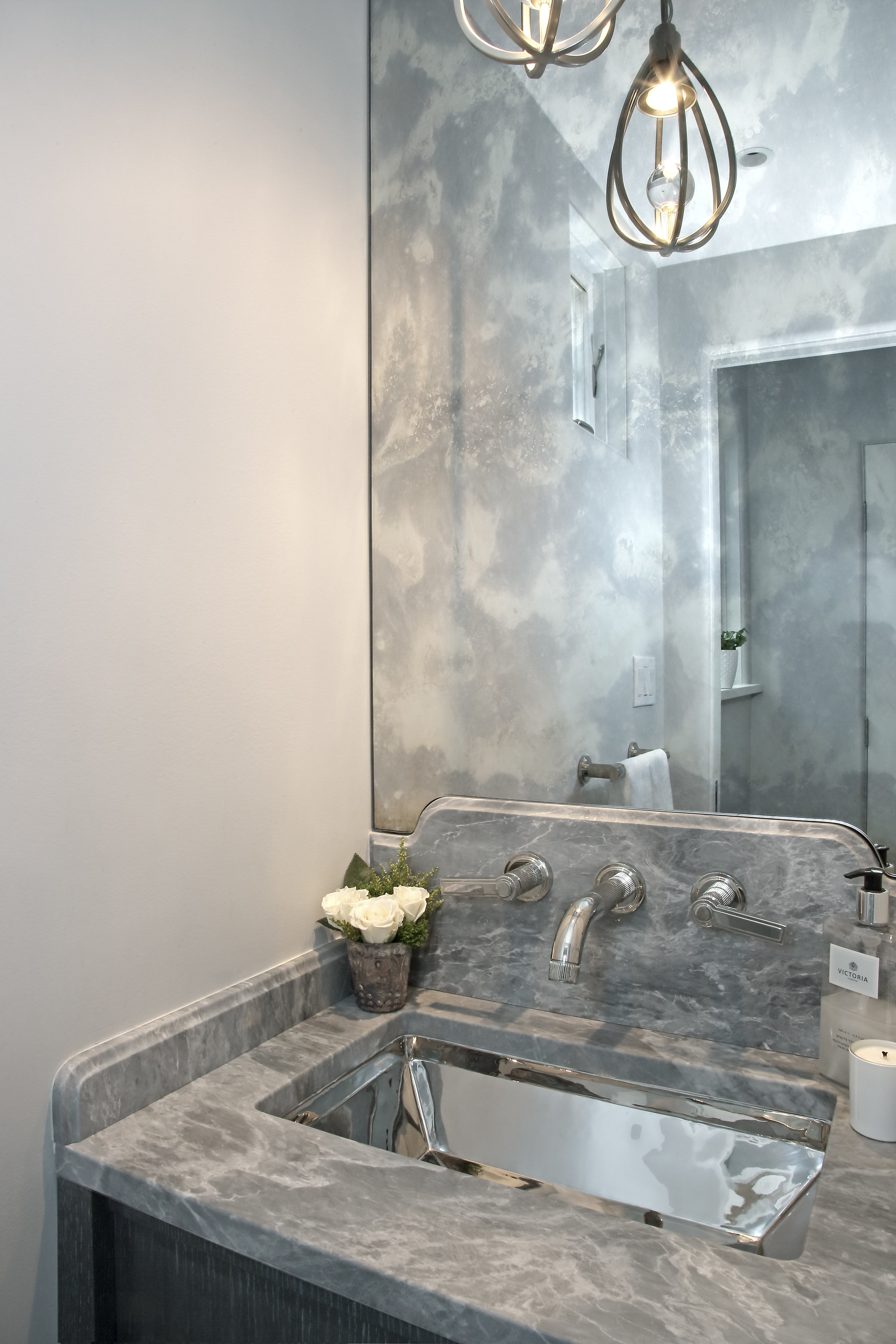 KAM DESIGN_Powder Room_Larchmont_2018_564.jpg