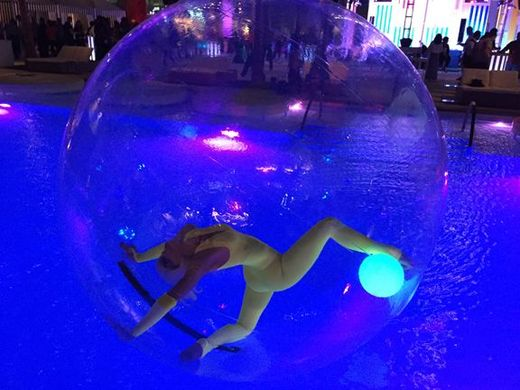 BUBBLE PERFORMANCE – POOL & GROUND