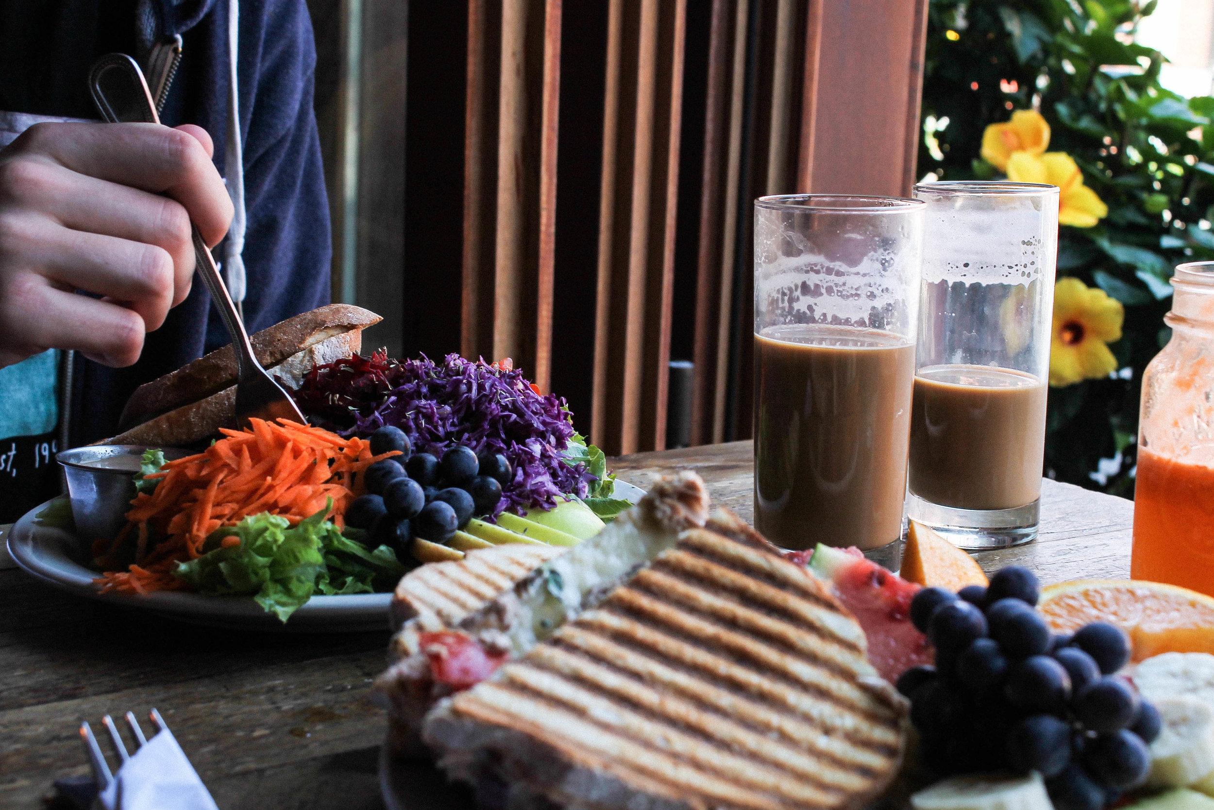 Le Dépanneur Café