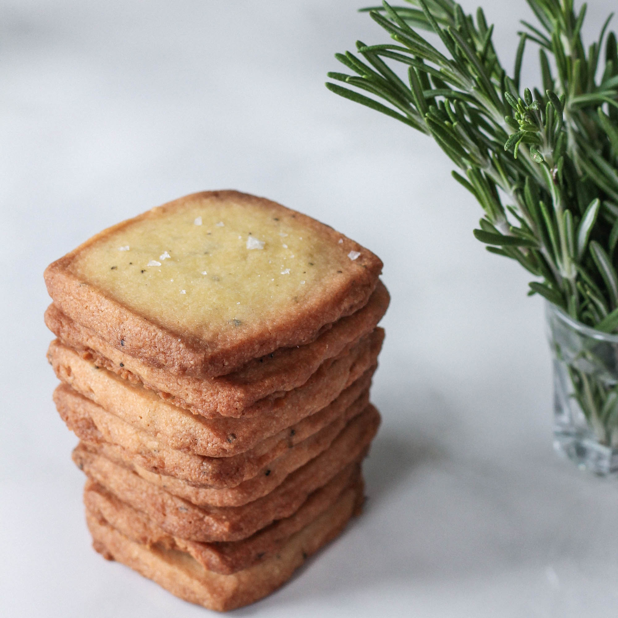 ROSEMARY OLIVE OIL SHORTBREAD COOKIES