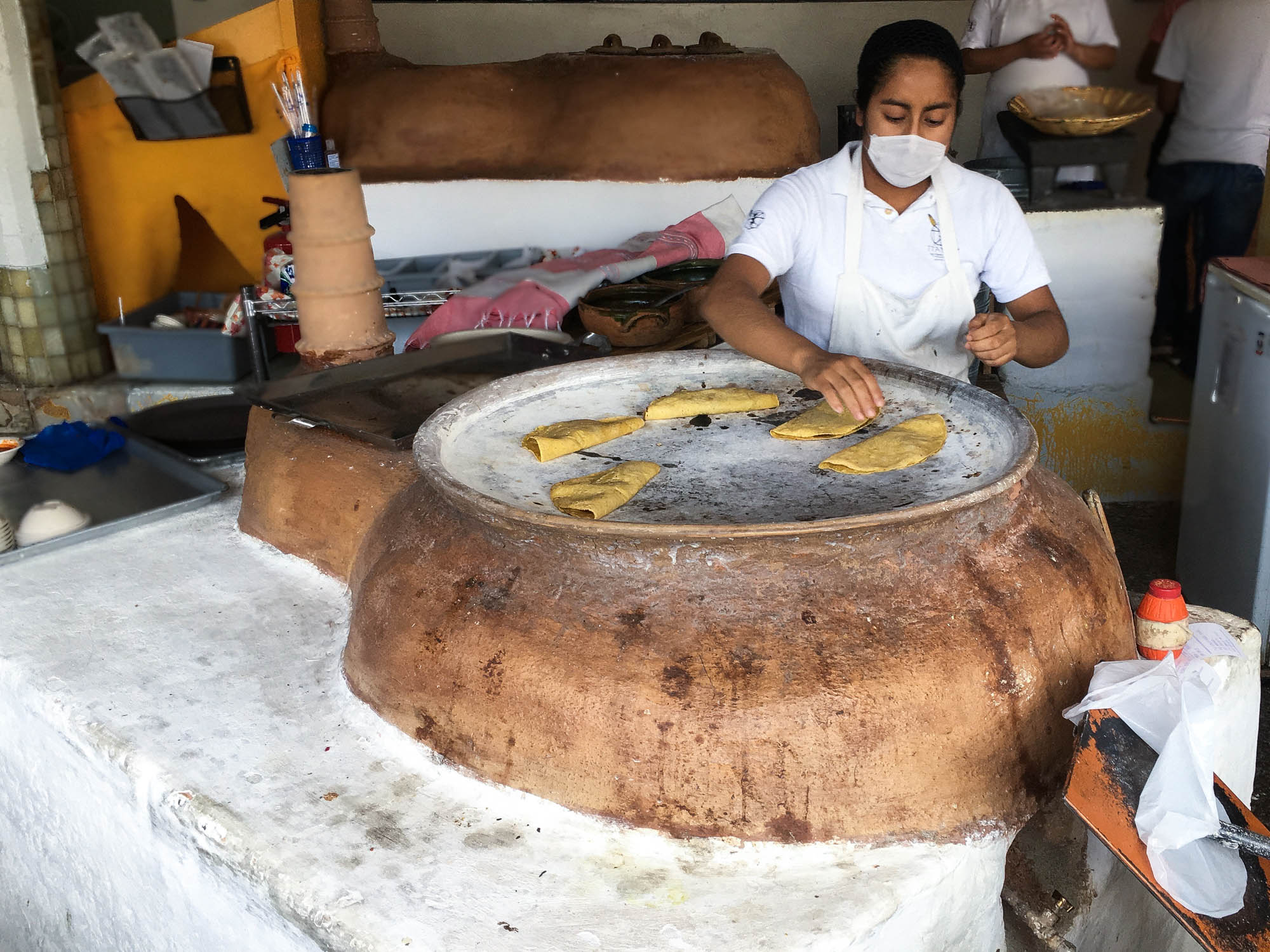 Cooking on the comal at Itanoni || OAXACA CITY, MEXICO FOOD GUIDE || creamandhoney.ca