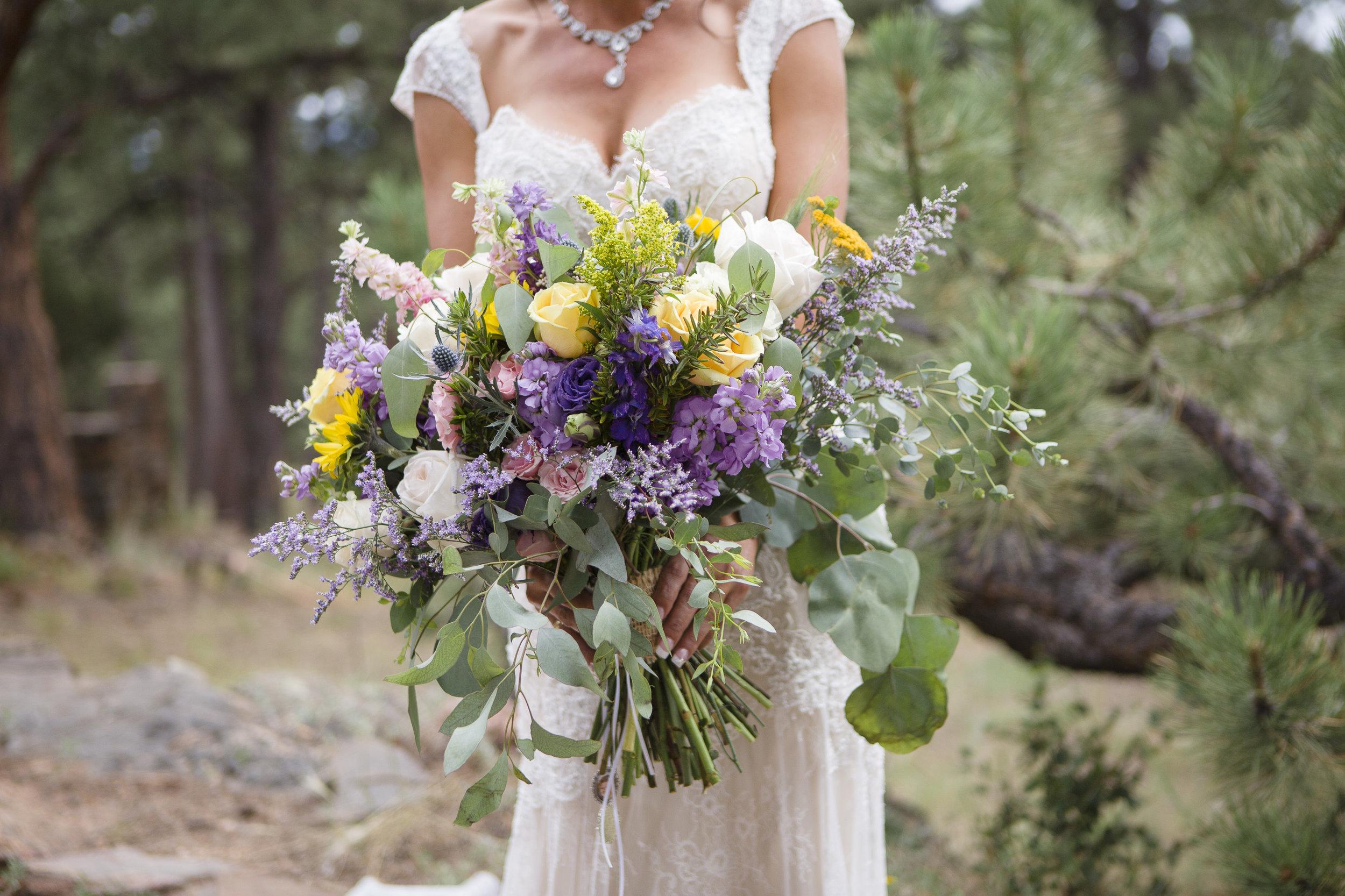 kristen-vance-boettcher-mansion-golden-colorado-summer-wedding-2017.jpg
