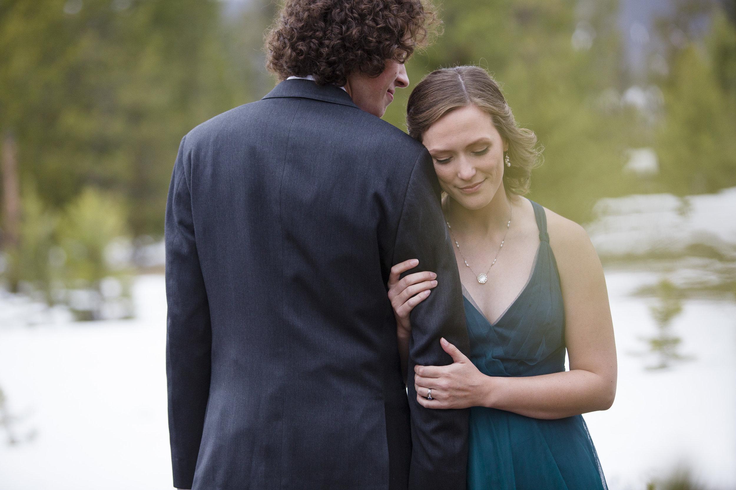 kristen-vance-fraser-colorado-wild-horse-inn-winter-wedding-2017.jpg