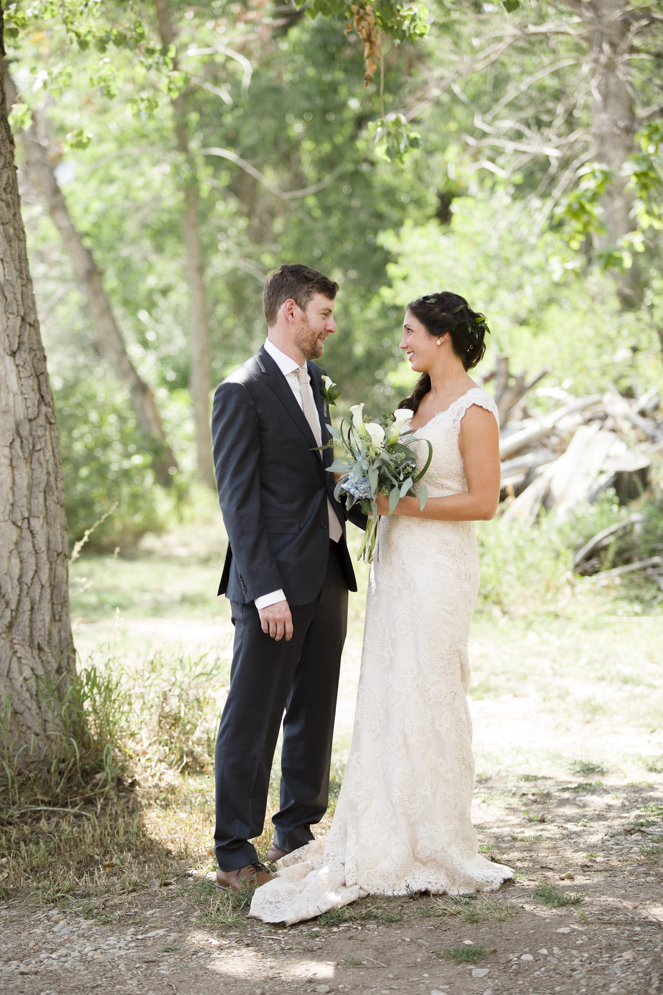 kristen-vance-lonehawk-farm-longmont-colorado-wedding-2017.jpg