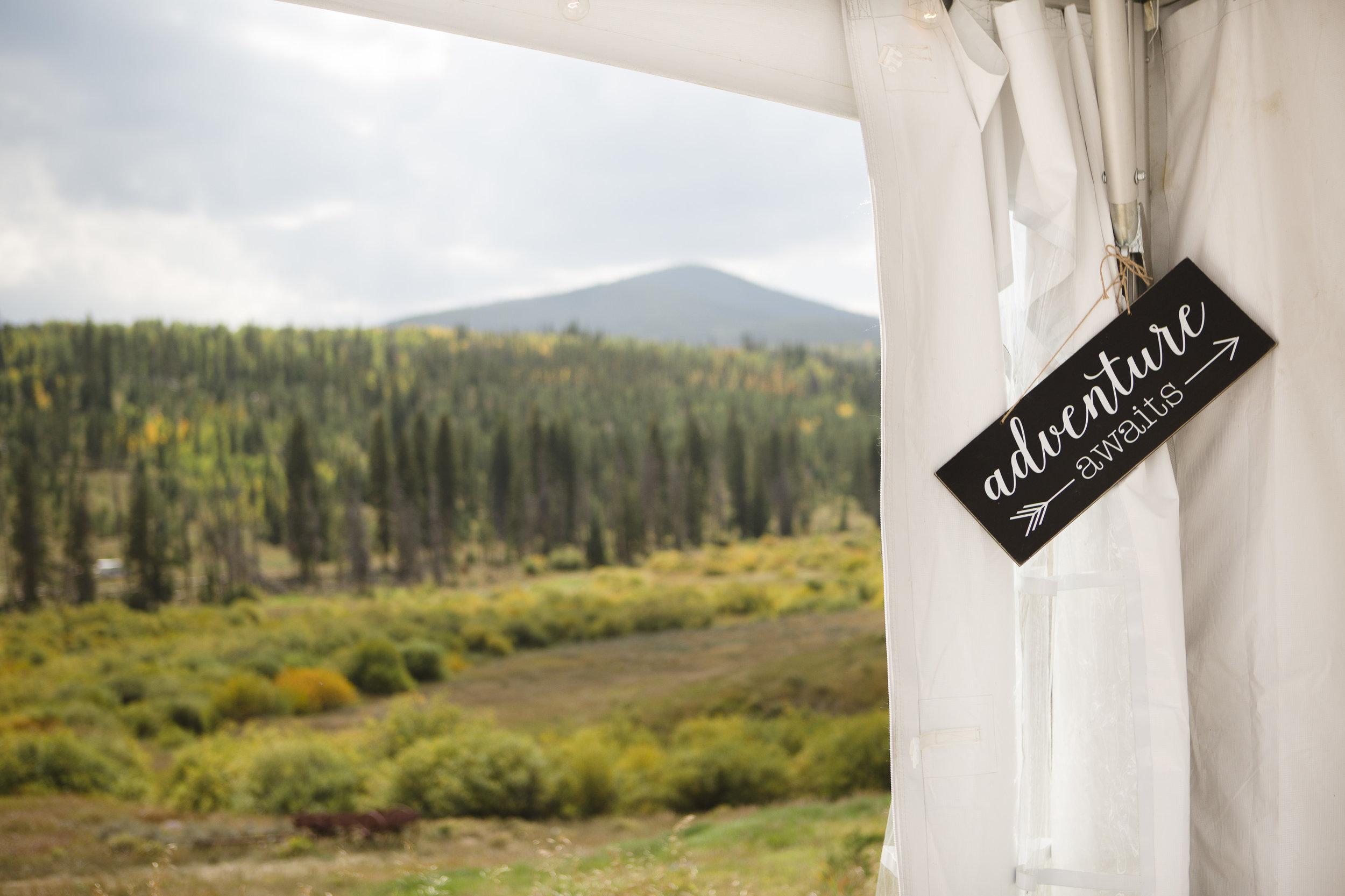 kristen-vance-moose-lodge-crooked-creek-fraser-colorado-wedding-2017.jpg