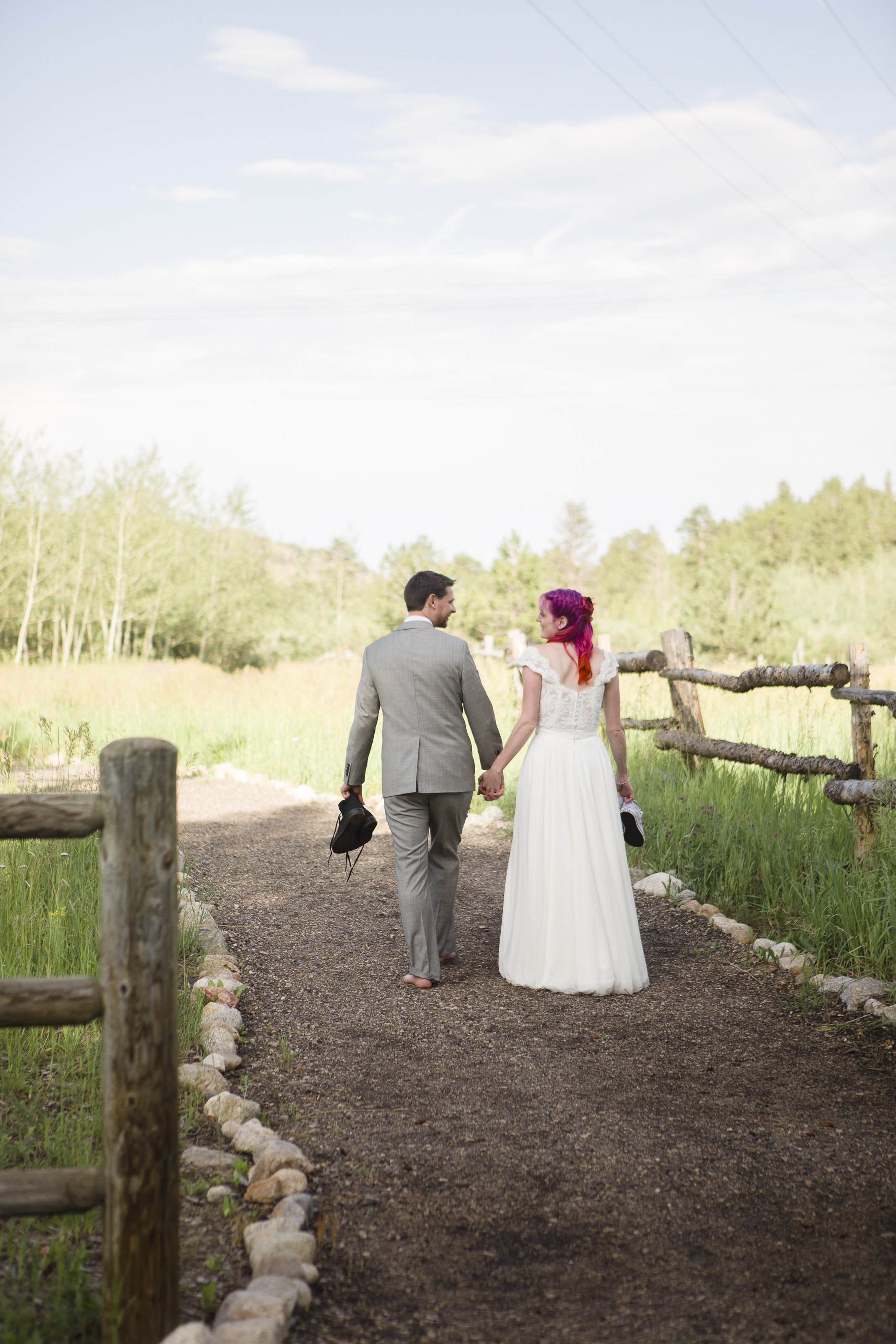 kristen-vance-wild-basin-lodge-allenspark-colorado-wedding-2017-3.jpg